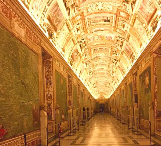 Muzea Watykańskie nocą